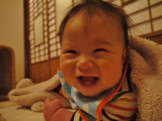 笑顔の赤ちゃんかわいい